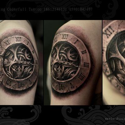 欧美写实时钟纹身款式图