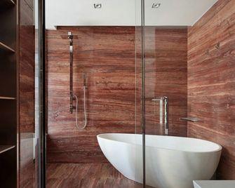 110平米三室一厅现代简约风格卫生间装修图片大全