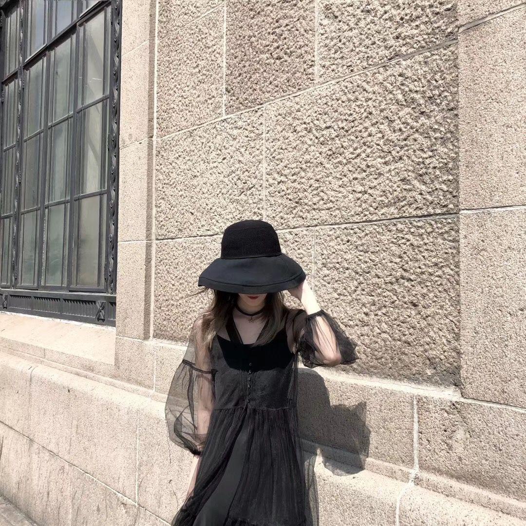 做完吸脂差不多一個月,上班也好出門逛街也罷穿裙子的次數鼻原來多了很多,手術短短一個月腿真的瘦下來了而且線條也好看。每天現在還有在穿束身衣,醫生都要交待前期恢復束身衣一定要穿。剛穿不太適應用了一周左右才適應有束身衣感覺。今天陽光正好,逛街心情美美噠