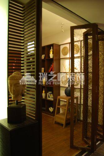5-10万130平米三室两厅东南亚风格玄关装修案例