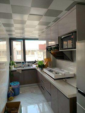 現代簡約風格廚房裝修圖片大全