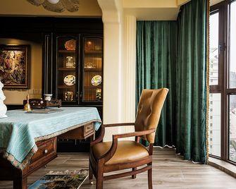90平米三室两厅地中海风格书房图