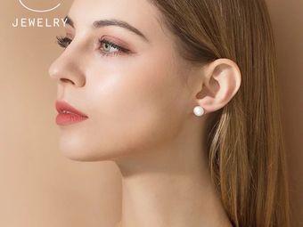 艺耳美专业打耳洞穿耳洞