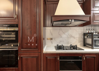 140平米别墅英伦风格厨房设计图