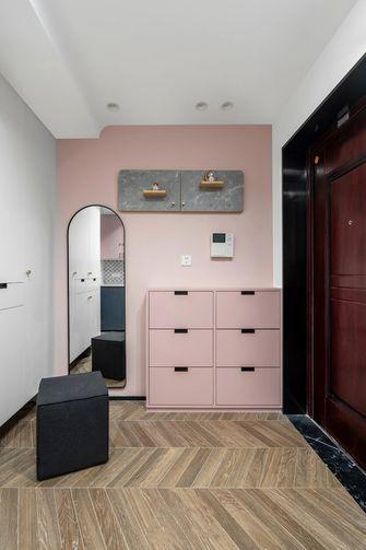 90平米三室两厅现代简约风格玄关设计图