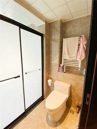 130平米三室一厅中式风格卫生间装修图片大全