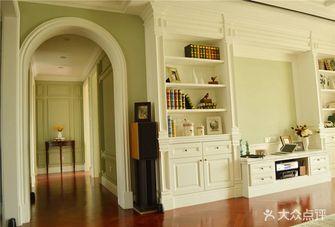 140平米三室三厅英伦风格客厅设计图