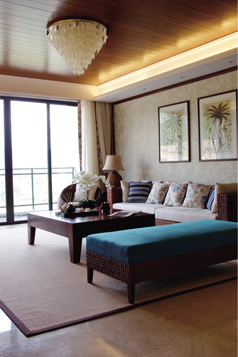 110平米三室一厅东南亚风格客厅装修效果图