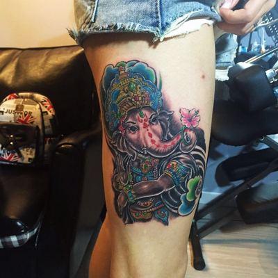 大腿象神纹身图