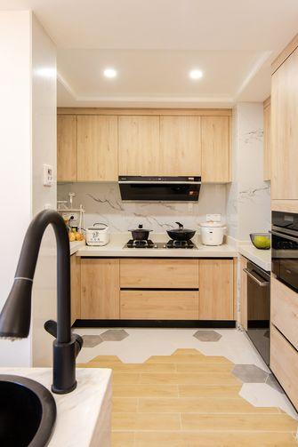 130平米四室两厅日式风格厨房设计图