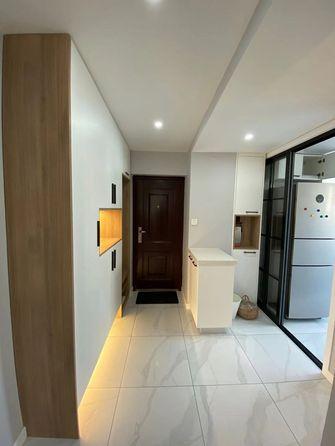 70平米现代简约风格走廊装修案例