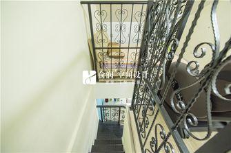 10-15万70平米现代简约风格楼梯装修案例