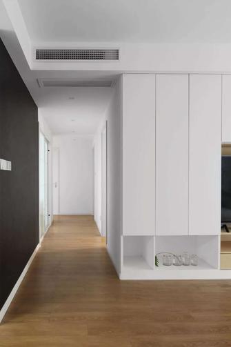 130平米四室一厅日式风格走廊欣赏图