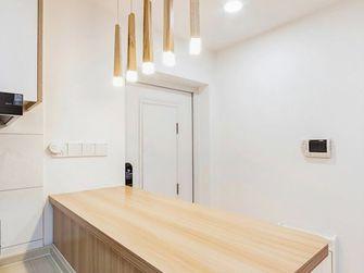 110平米三室两厅日式风格走廊欣赏图