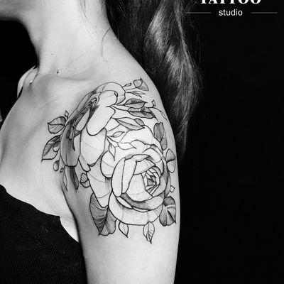大臂花纹身款式图