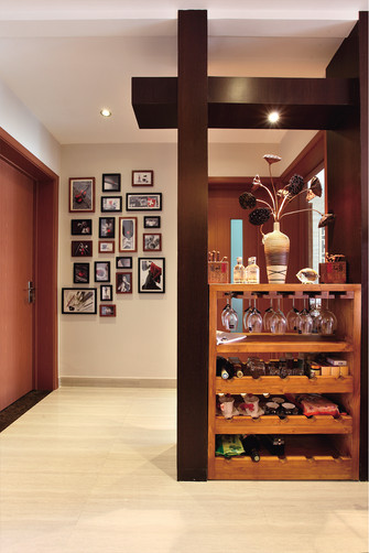 120平米三室两厅东南亚风格客厅效果图