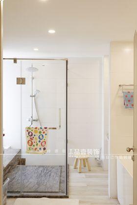 140平米四室一厅现代简约风格卫生间图