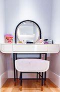 130平米三室一厅现代简约风格梳妆台装修效果图