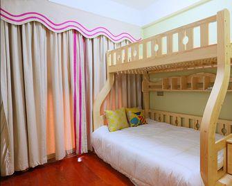 90平米三室两厅东南亚风格儿童房图片