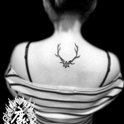 鹿角图腾纹身图