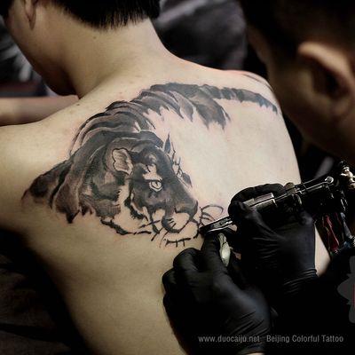 水墨老虎纹身款式图