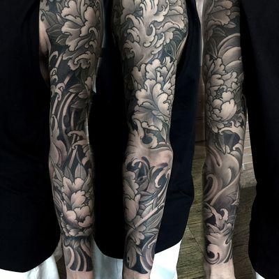 海浪牡丹黑白纹身款式图