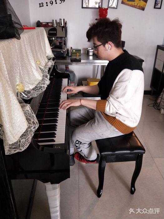 里吧吧成人网_成人钢琴吧(小寨店)-图片-西安学习培训-大众点评网